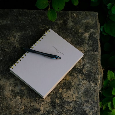 How to start and stick with a journaling practice in 4 easy steps